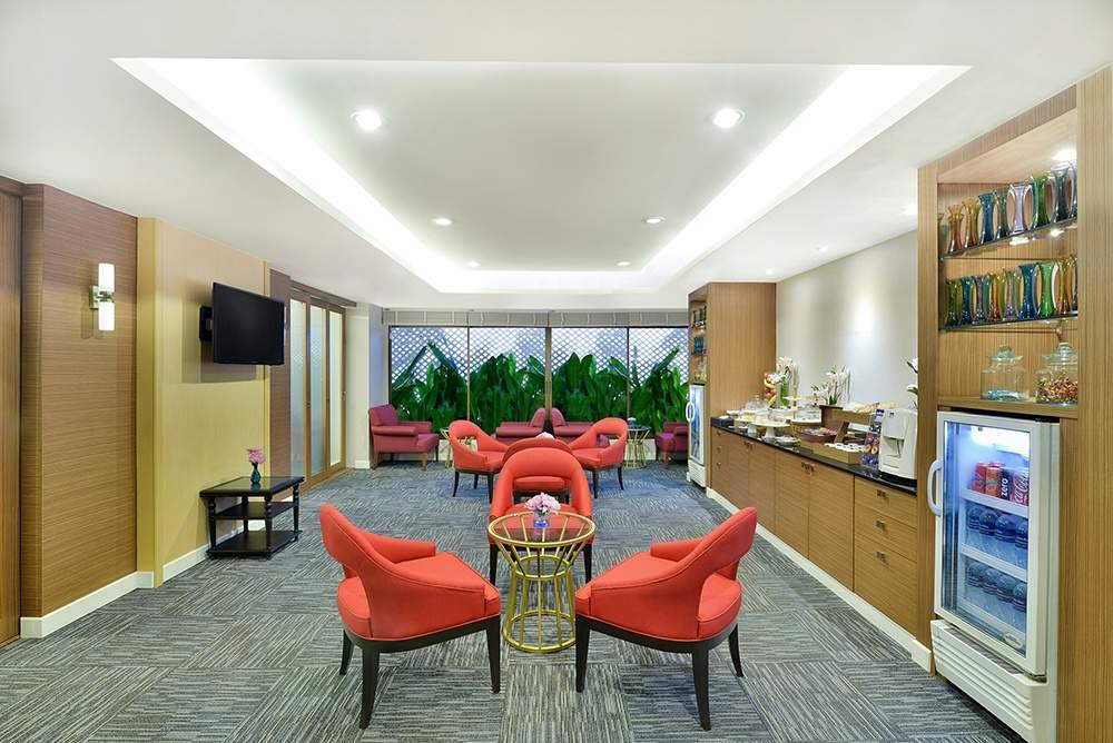 Residence Lounge ( 07.00 -19.00 hrs ) F Floor
